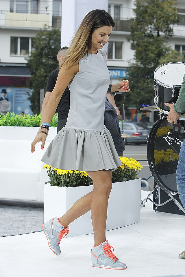 Anna Lewandowska w wiosennej stylizacji. Ten element warto mieć w szafie!