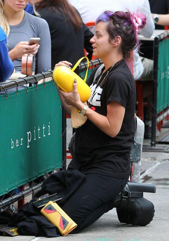 Odchudzona Lily Allen bez makijażu i... (FOTO)