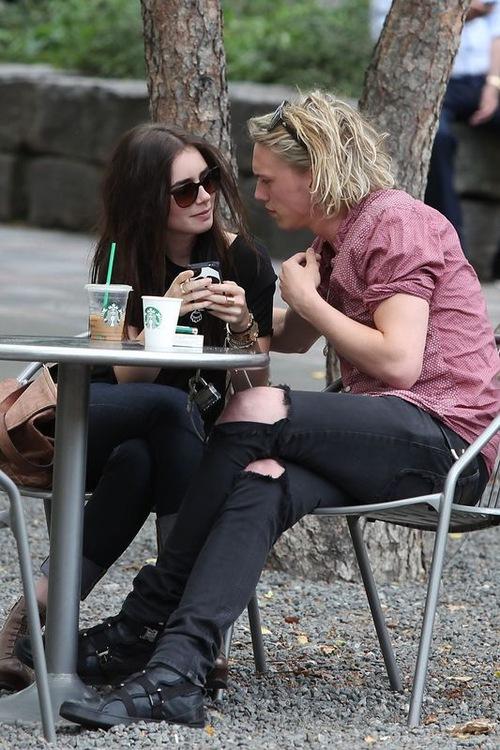 Lily Collins na randce z Jamie'm Campbellem Bowerem (FOTO)