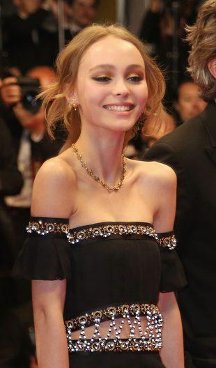 Lily Rose Depp została twarzą nowego produktu Chanel (FOTO)