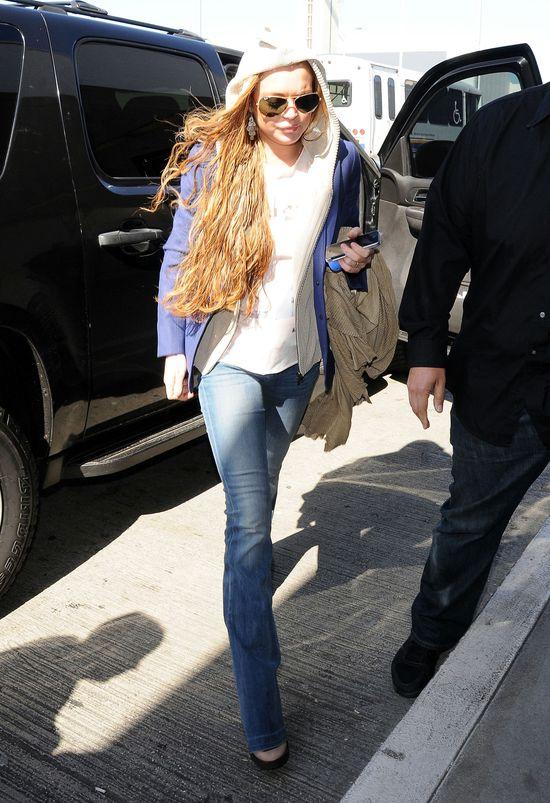 Lindsay Lohan wciąga kokainę z nadgarstka