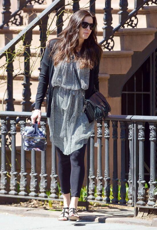 Liv Tyler przyłapana pierwszy raz od porodu (FOTO)