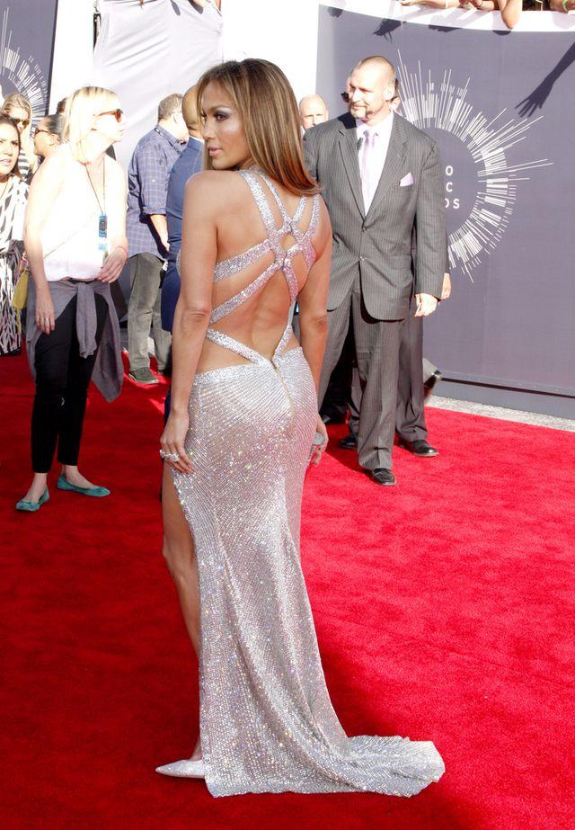 To pupa Jennifer Lopez, a nie Kim, jest dziełem sztuki