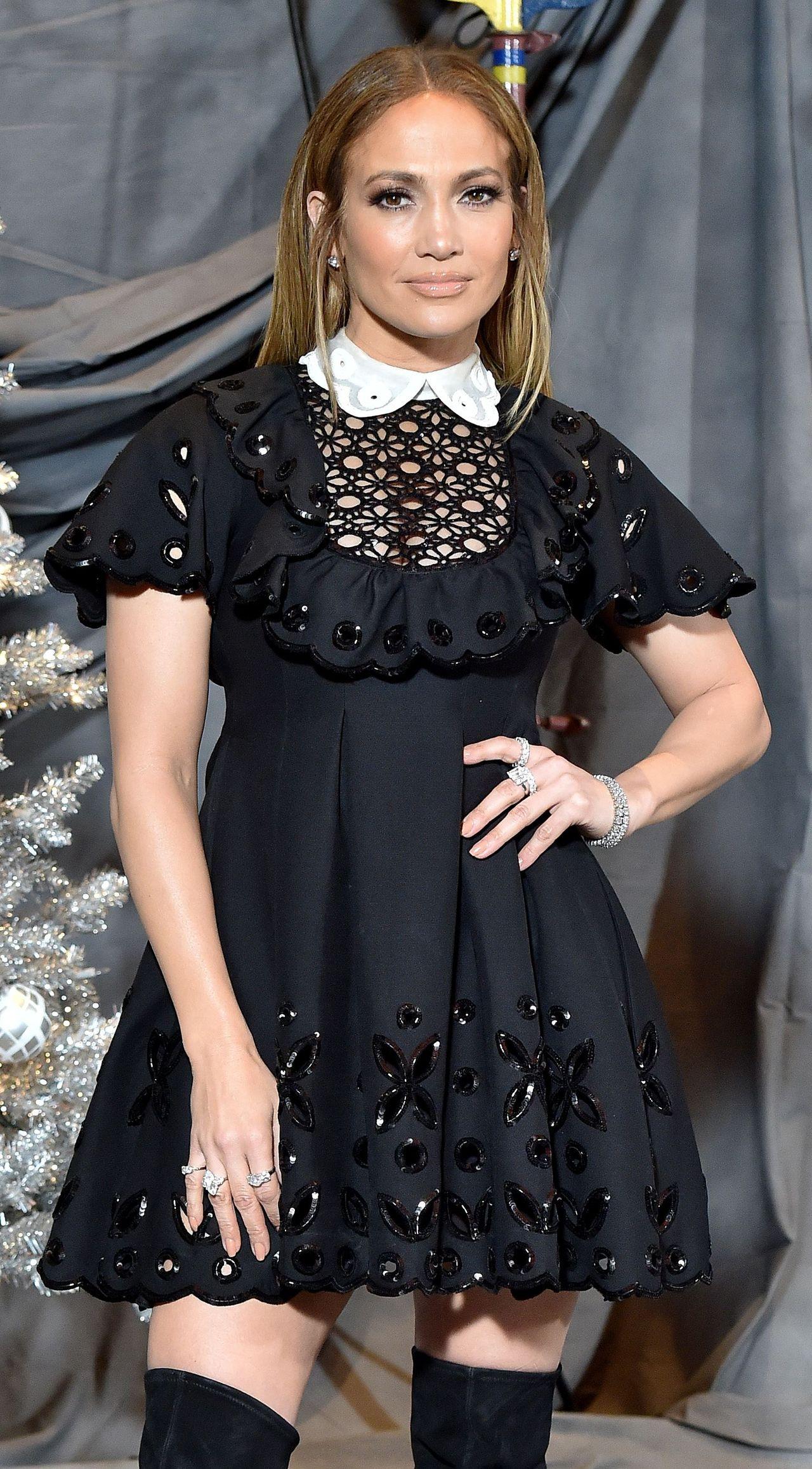 Jennifer Lopez rzadko zakłada TAKIE sukienki (ZDJĘCIA)