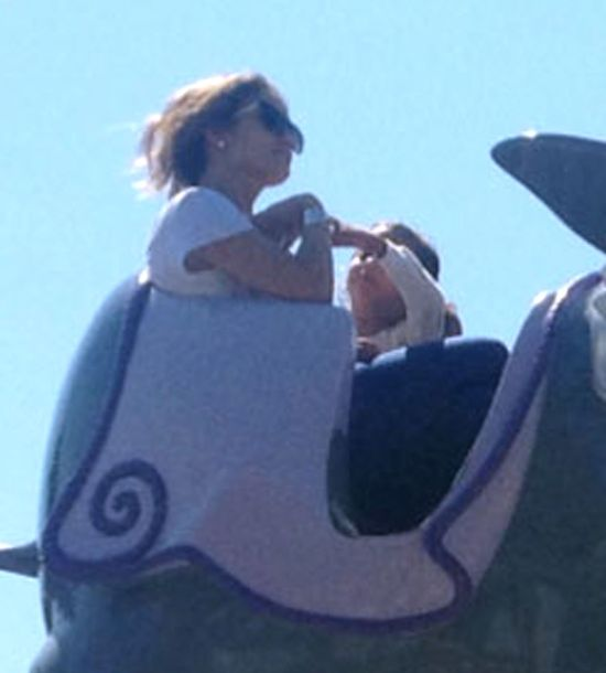 Dzieciaki Jennifer Lopez uwielbiają Disneyland (FOTO)