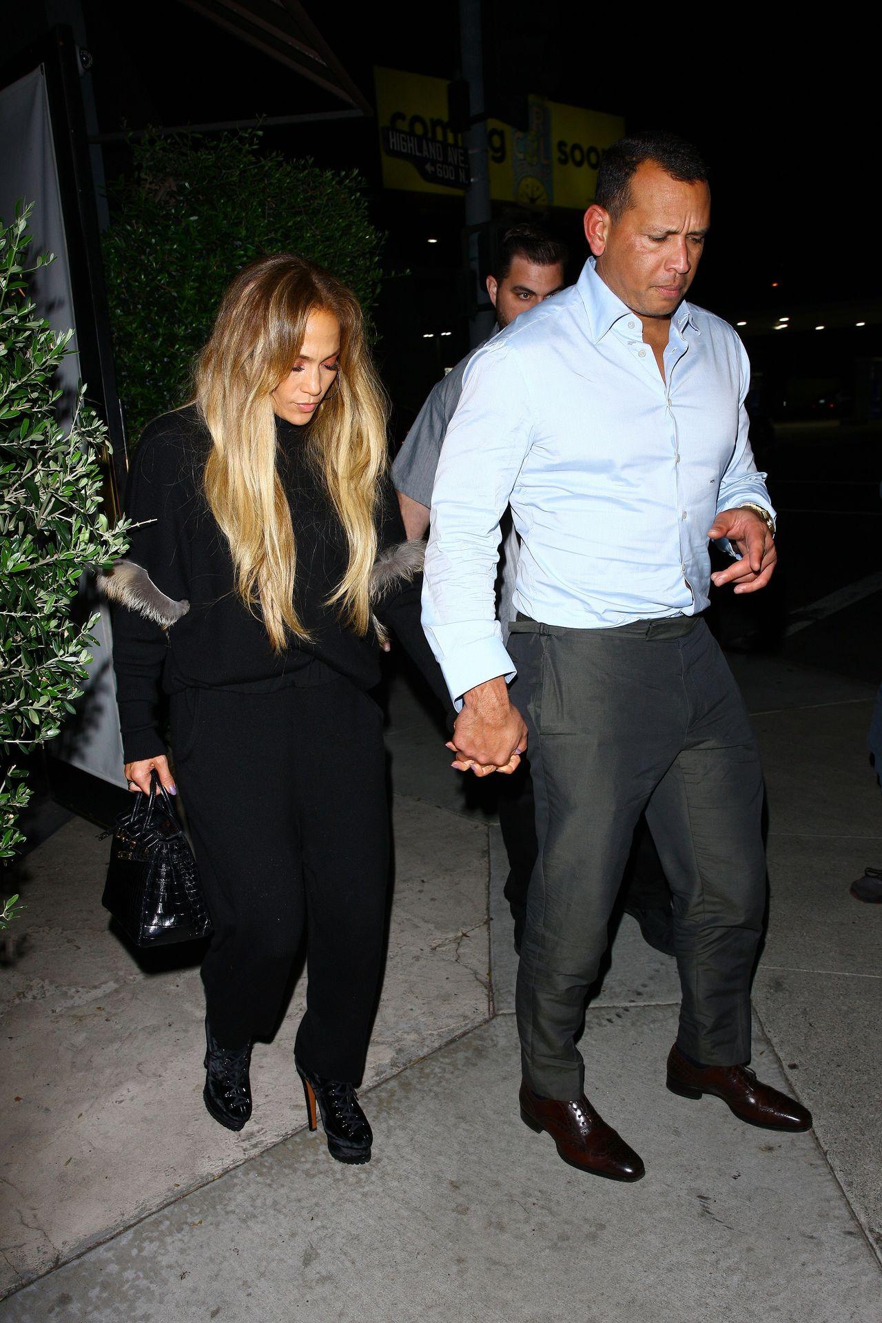 OKROPNA fryzura i nieudana stylizacja Jennifer Lopez (ZDJĘCIA)