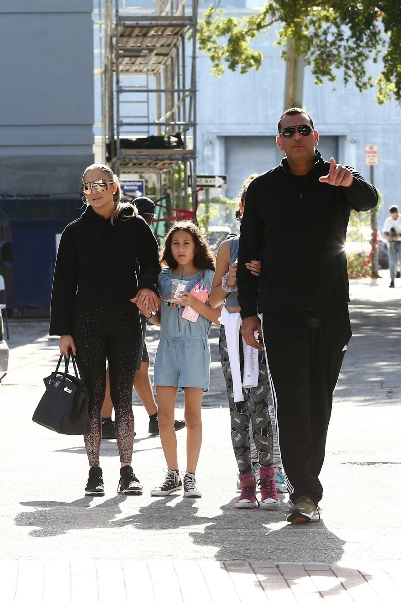 Jennifer Lopez pokazała zdjęcie BEZ MAKIJAŻU ze swoimi dziećmi
