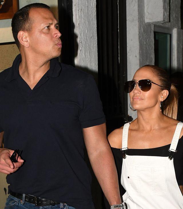 Jennifer Lopez się zaręczyła? Zobaczcie OGROMNY pierścionek