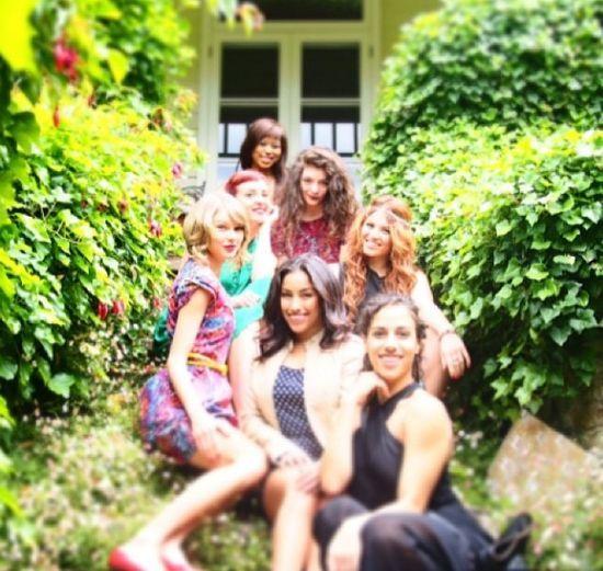 Selena Gomez jest zadrosna o przyjaźć Lorde i Taylor Swift