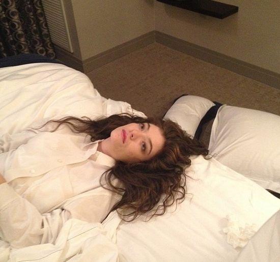 Zaspana Lorde bez makijażu i z trądzikiem (FOTO)