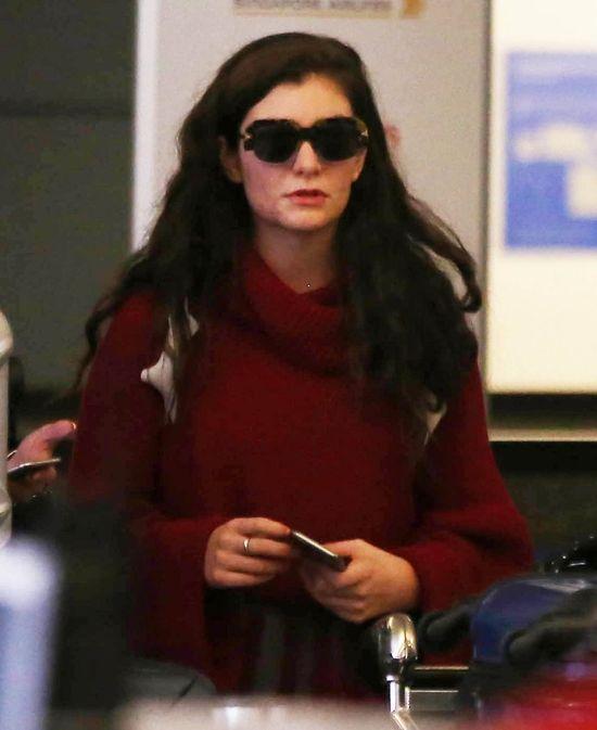 Lorde ukrywa tr�dzik przed paparazzi (FOTO)