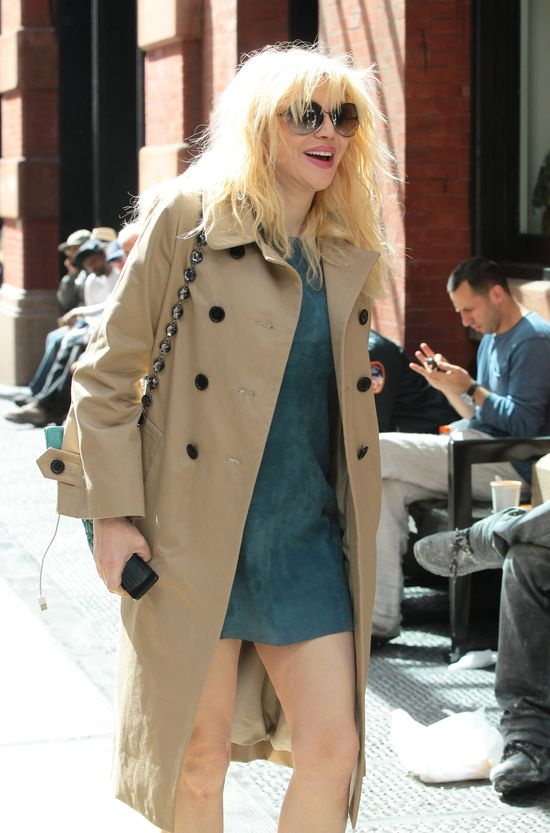 Courtney Love na ok�adce magazynu VS (FOTO)