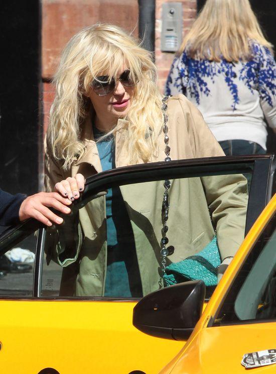 Courtney Love na okładce magazynu VS (FOTO)