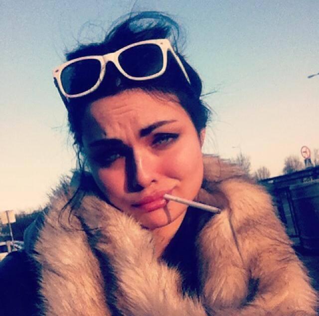 Luxuria Astoroth pali marihuan�? (FOTO)