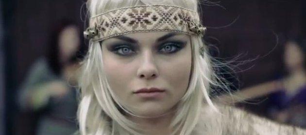 Śliczna Luxuria Astaroth w nowym klipie Donatana Budź się