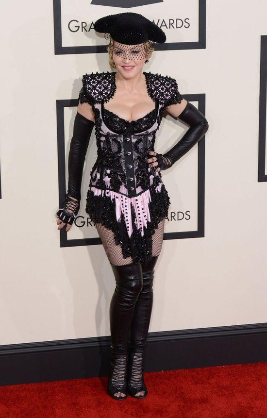Najbardziej śmiały dekolt na rozdaniu Grammy? (FOTO)