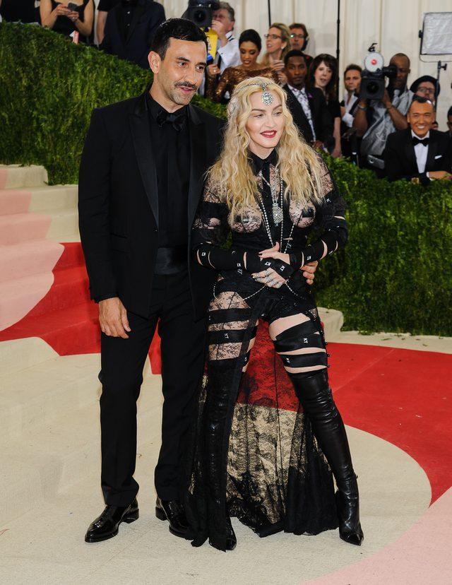 Jeśli krytykowałeś stylizację Madonny na MET, wiedz, że...