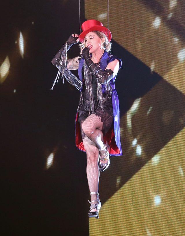 Madonna NIE CHCE ODDA� korony (FOTO)