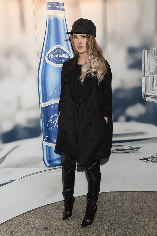 Szok! Justyna Pawlicka promuje futra z ma�ym liskiem (FB)