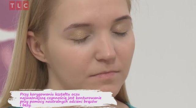 Jak makijażem  skorygować zbyt szeroko rozstawione oczy? (VIDEO)