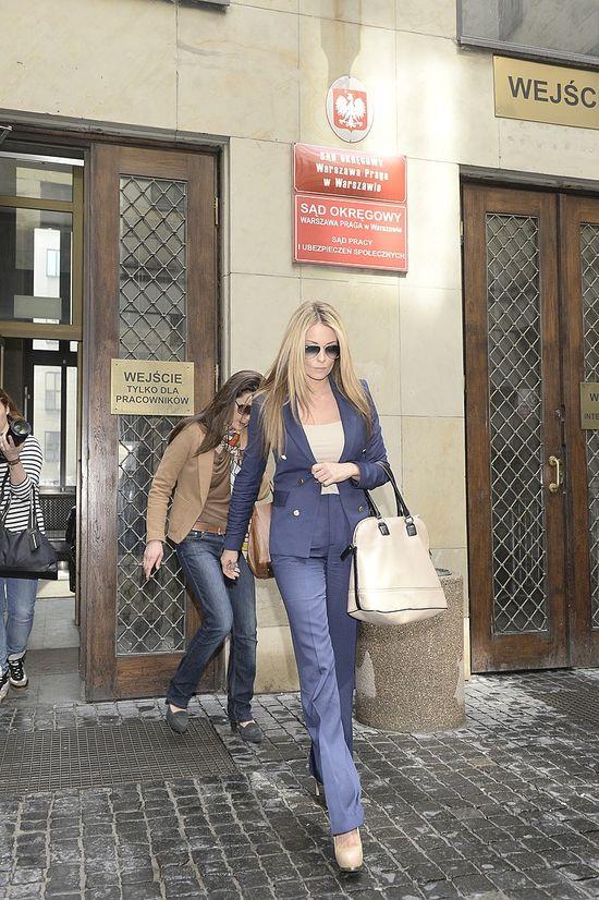 Poważna Małgorzata Rozenek w sądzie (FOTO)