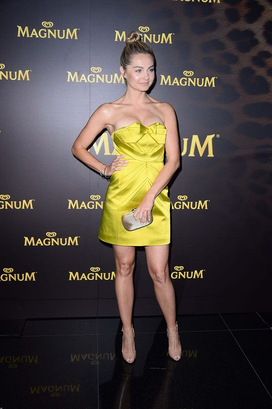 Pokaz biustów na imprezie Magnum (FOTO)