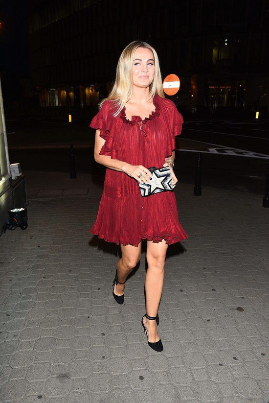 Małgorzata Socha na event salonu Moliera 2 wybrała luźną sukienkę (FOTO)