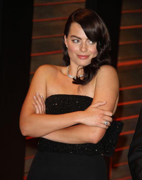 SKANDAL! Graficy wydłużyli nogi Margot Robbie w Wilku z...