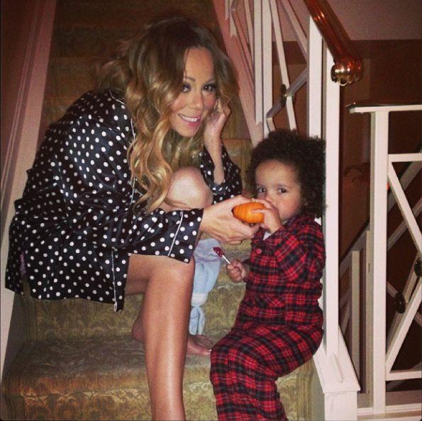 Mariah Carey pokazuje się bez makijażu i w bieliźnie (FOTO)