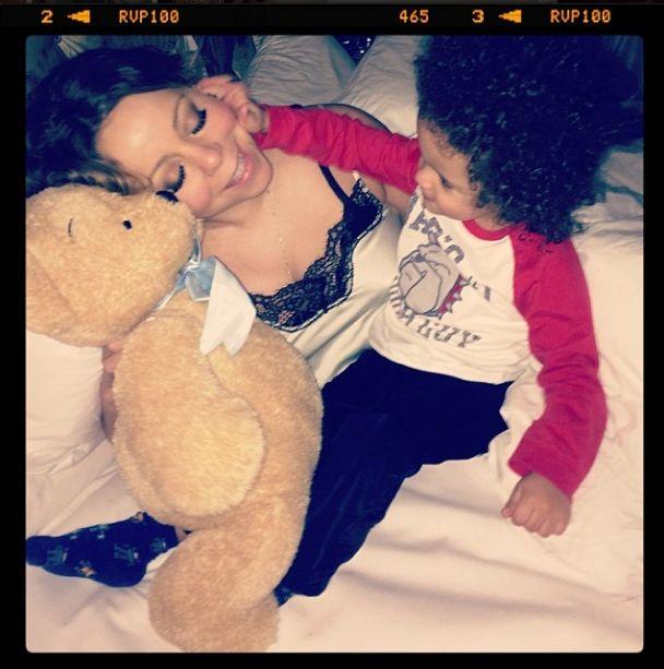 Mariah Carey ponownie bez makijażu i w piżamie (FOTO)
