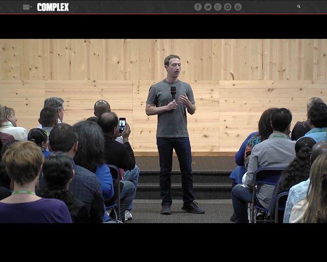 Mark Zuckerberg zdradza, dlaczego ciągle nosi jedną koszulkę