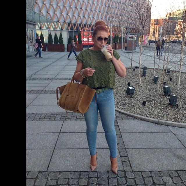 Marta Grycan w obcisłych dżinsach (FOTO)