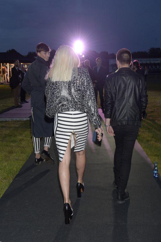 Pęknięta spódnica i spanxy u Marysi Sadowskiej! (FOTO)