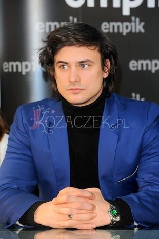 Zarośnięty Mateusz Damięcki (FOTO)