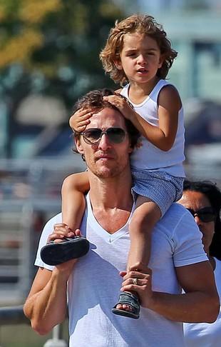 Matthew McConaughey spędza czas z żoną i dziećmi (FOTO)