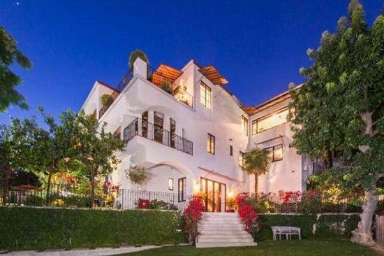 Megan Fox sprzedaje dom! (FOTO)