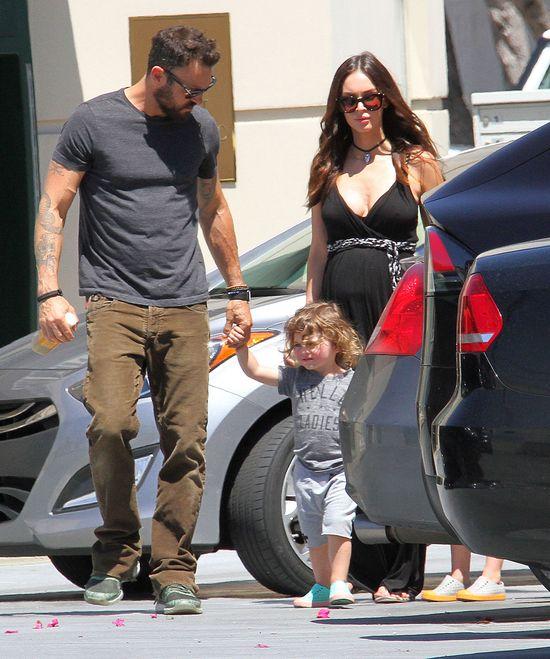 Megan Fox z mężem na spacerze. Jeden szczegół przyciągnął uwagę mediów