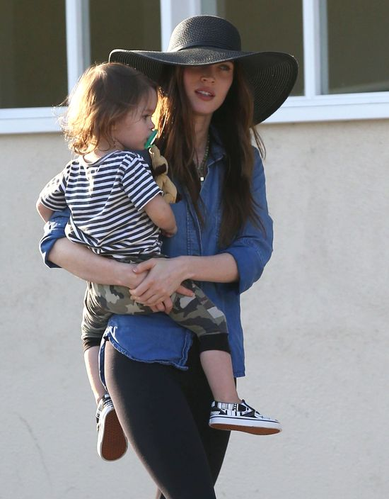 Rodzinka Megan Fox przyłapana w komplecie (FOTO)