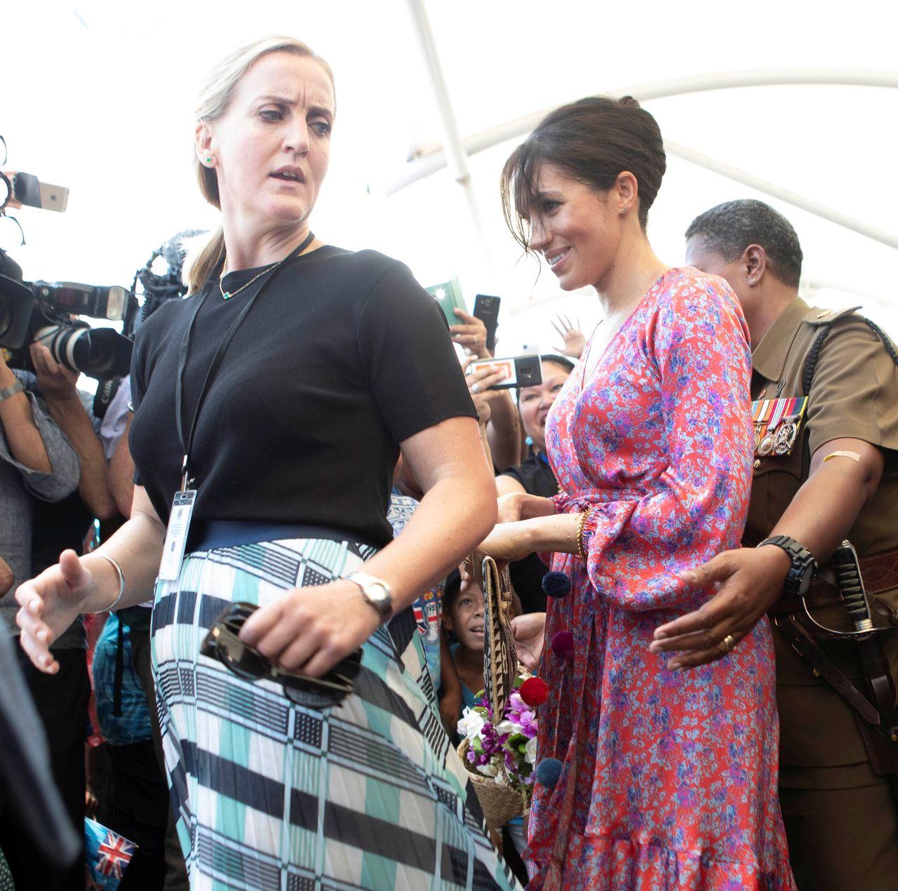 Księżna Meghan EWAKUOWANA z targowiska! (ZDJĘCIA)