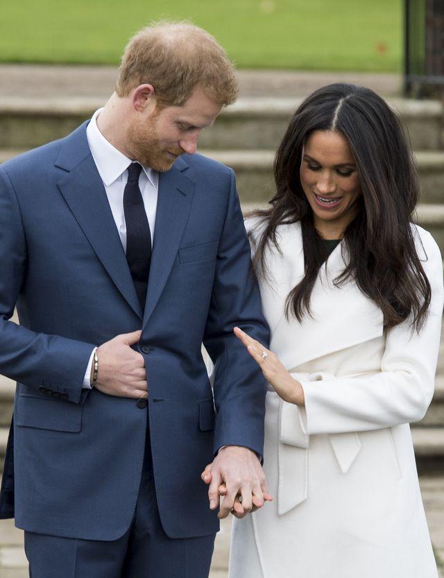 Meghan Markle podczas oficjalnych zaręczyn zaliczyła dużą… WPADKĘ?