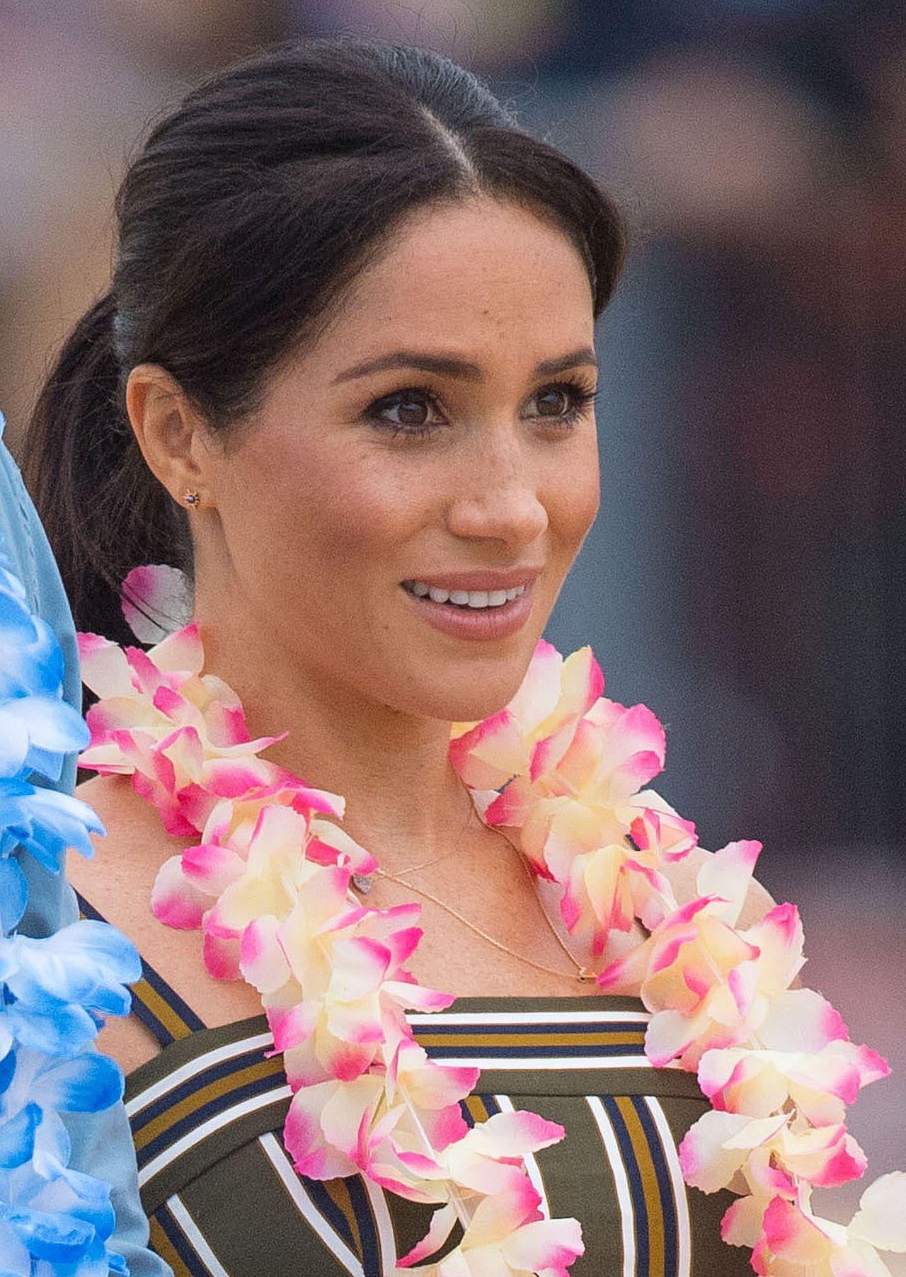 Oto DZIWNY powód, przez który księżna Meghan nie może obciąć włosów