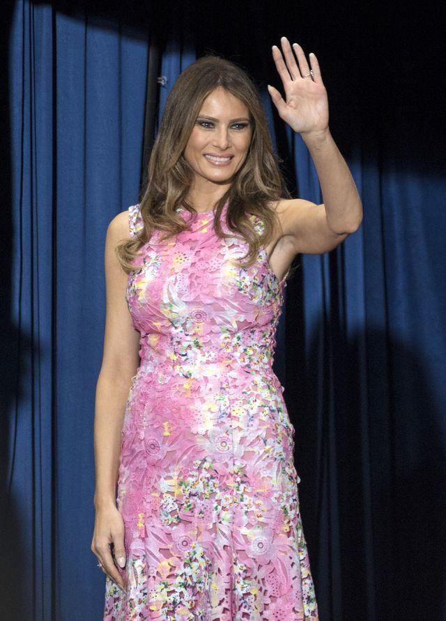 Zrobiła sobie szereg operacji plastycznych, żeby wyglądać jak Melania Trump