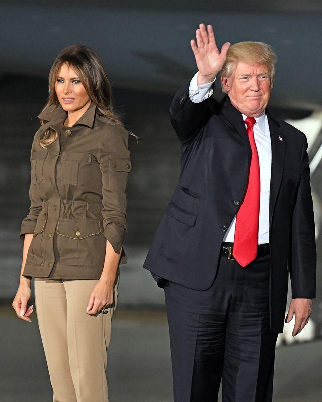 Dlaczego Melania Trump ciągle otwiera usta? (ZDJĘCIA)