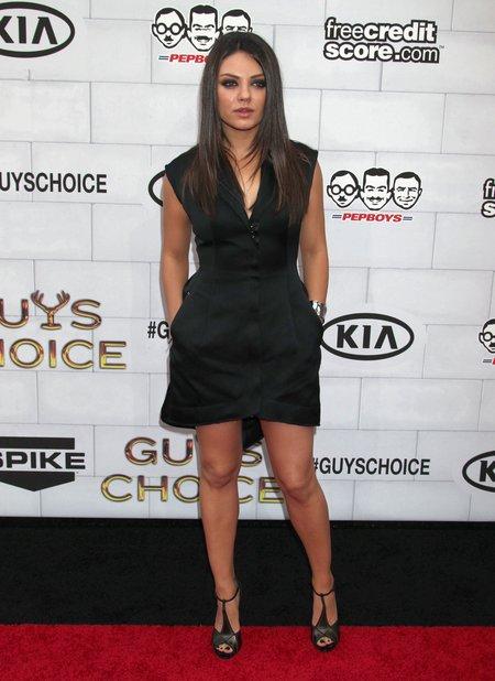 Mila Kunis to twarda sztuka - nie chodzi na randki!