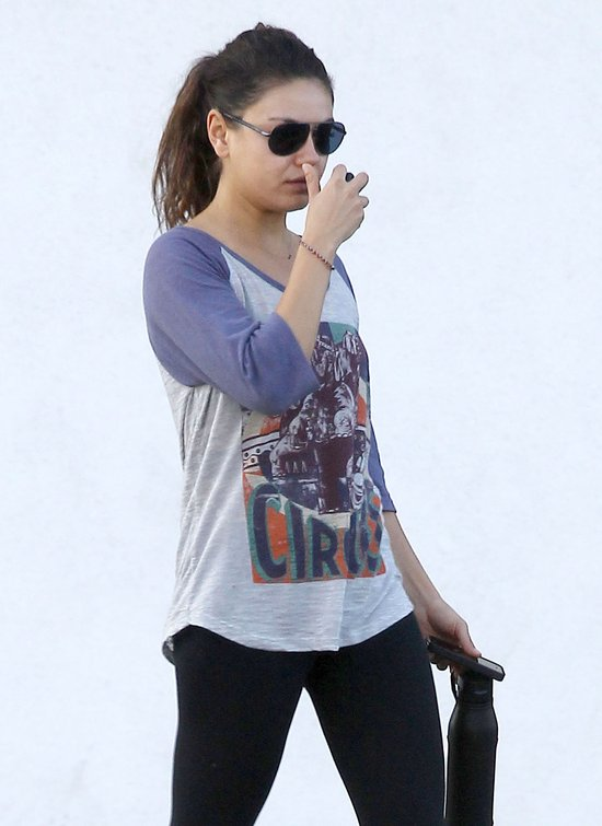 Mila Kunis dba o formę (FOTO)