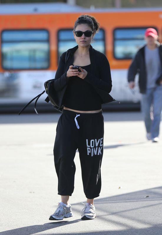 Mila Kunis nie przejęła się tym, że Dior ją odrzucił (FOTO)