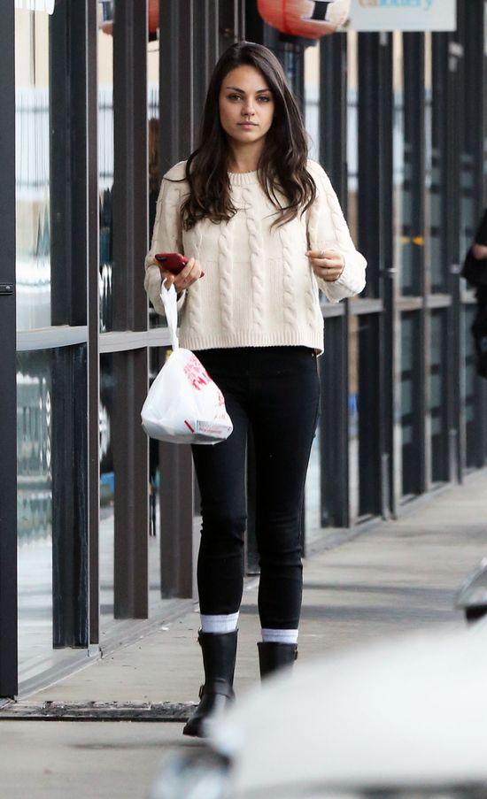 Wyobraźcie sobie, że właścicielką kaloszy jest Kardashianka!