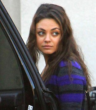 Mila Kunis na co dzień wygląda jak zwykła dziewczyna (FOTO)