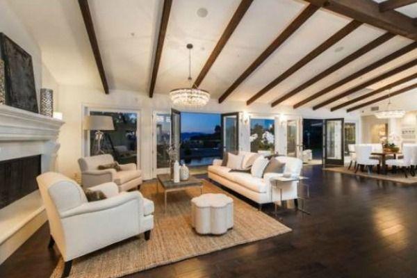 Tak mieszkała Mila Kunis, gdy była singielką (FOTO)