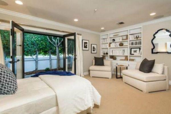 Tak mieszka�a Mila Kunis, gdy by�a singielk� (FOTO)